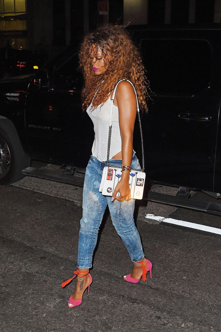 Rihanna – SOB's Nightclub in NYC, 12.08.15