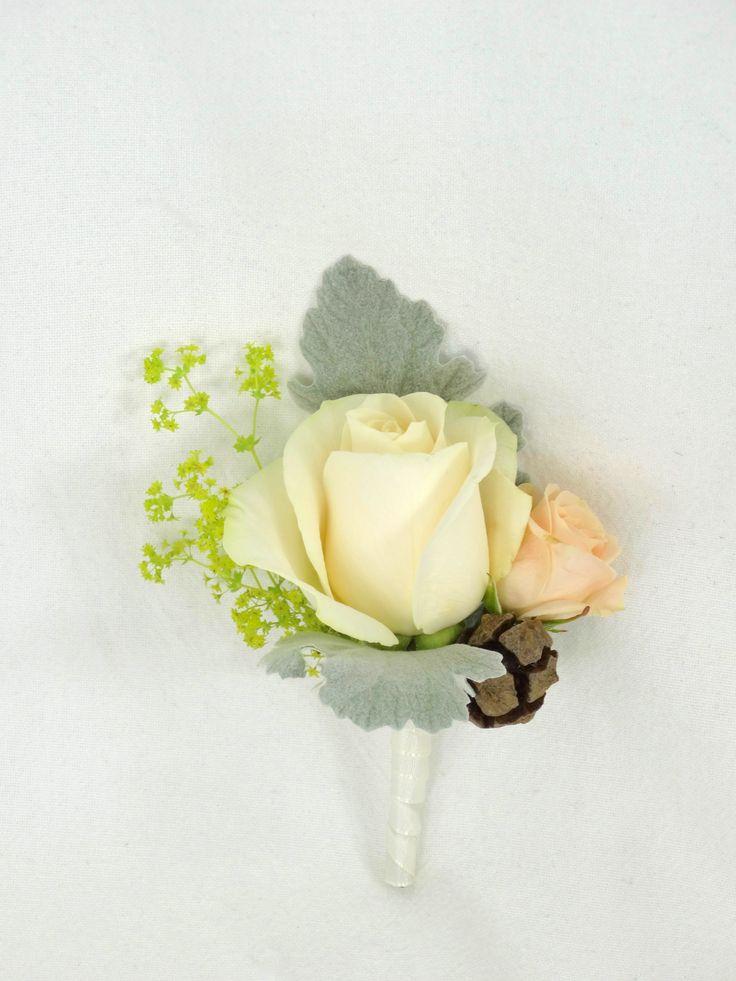 Boutonnièrre, door Natys Floral Design & Services