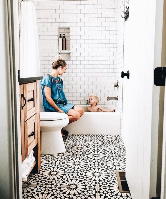 Pin By Sarah Silvester On Our Beautiful World Small Bathroom Remodel Small Bathroom Bathrooms Remodel