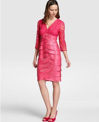 Vestido de mujer Adrianna Papell con encaje y jaretas en rosa