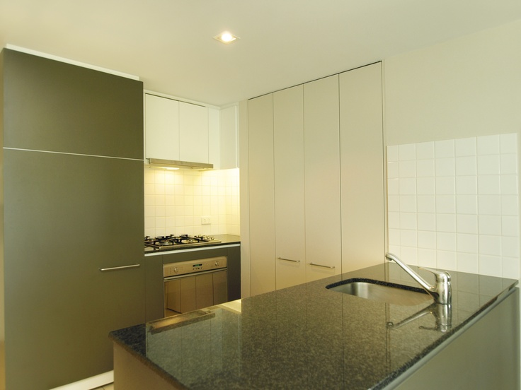 Oaks Embassy, Adelaide - 2 Bed Deluxe #1316 - Kitchen