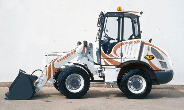 2007 Venieri presents the first electric loader in the world – VF 2.63E ELECTRA.