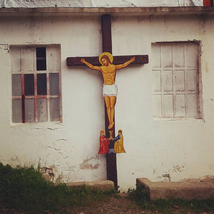 #christ #crucifix #abandoned #cross #jesus Photo: Diana Topan