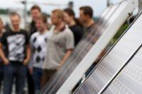 Erneuerbare Energien (B.Eng.), auch dual   Hochschule Coburg Der Ausstieg aus der Kernenergie fordert die deutsche Energiewirtschaft heraus auf alternative Energien zu setzen. Erneuerbare Energien spielen dabei eine entscheidende Rolle. Hier werden in der Zukunft Elektroingenieure gebraucht, die ihr fundiertes Wissen in der Produktion, Speicherung und Verteilung Erneuerbarer Energien einsetzen.