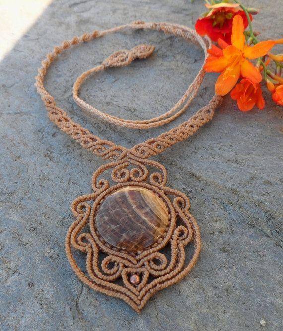 Holz-Fossil / Petrified Wood Macrame Halskette-Stein von LaQuetzal