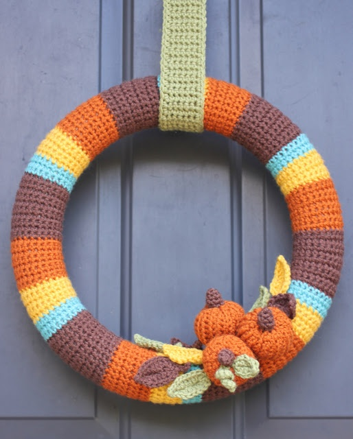 Repeat Crafter Me: Crocheted Fall Wreath ~ free pattern