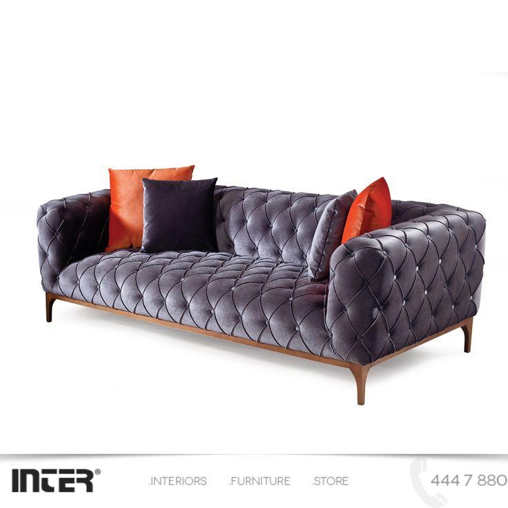 Chester Koltuk Takımı rahat, gösterişli ve her modelde hazırlanabildiğinden hem salon takımı hem de oturma grubu olarak kullanabilirsiniz ☺️ Ürün adı : İnter Chester Oturma Grubu  444 7 880