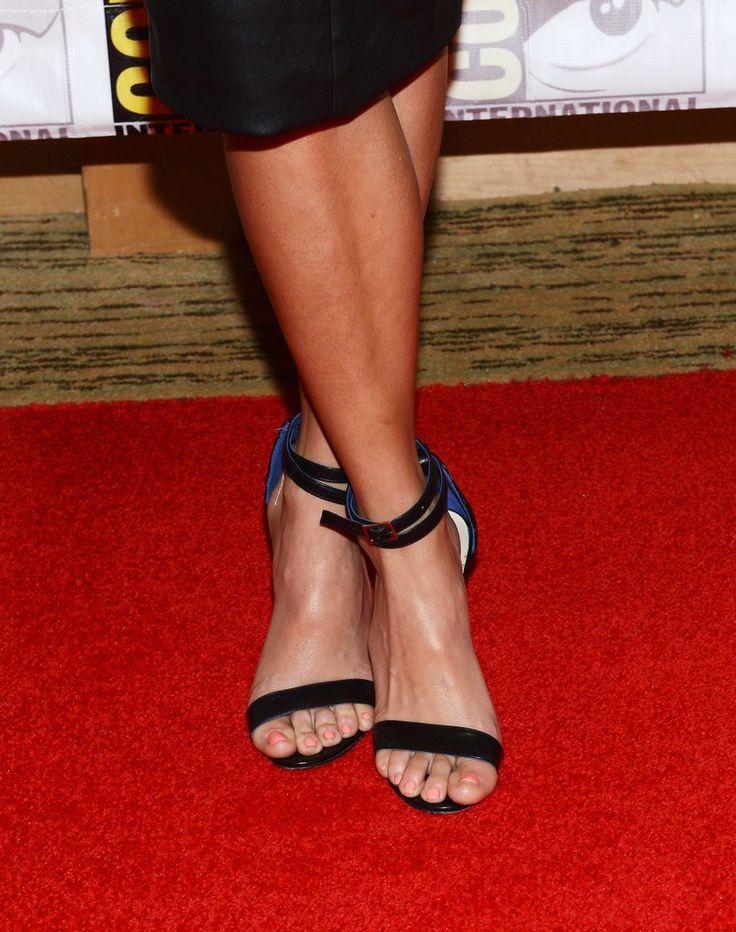 Nikki Reed's Feet << wikiFeet