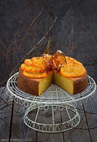 Za każdym razem gdy przygotowuję ciasto z gotowanymi pomarańczami zakochuję się w nim na nowo i ponownie staje się moim ulubionym. Chociaż nie powiem, że za