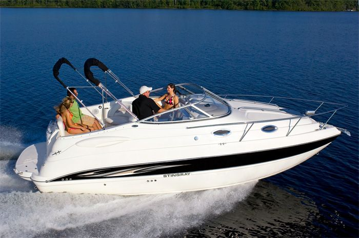 Stingray 250CS - Mid Cabin Cruiser