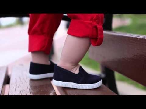 Zapatillas Lona con Elástico Lateral y Suela tipo Victoria - Muy cómodas para niños y niñas, ideales para primavera y verano. Las clásicas de toda la vida que nunca pasan de moda. #ténis #plimsolls #tennis
