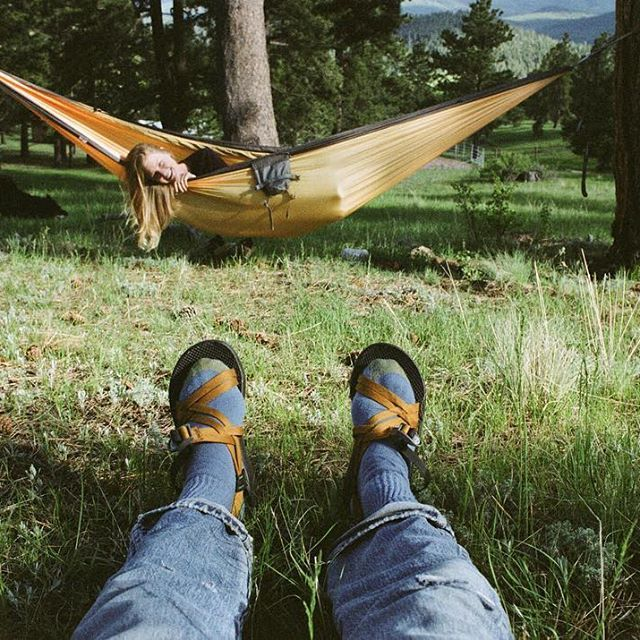 no it u0027s cool the ground is almost as  fortable  these pinecones are 28 best elevated camping images on pinterest   hammock hammocks      rh   pinterest