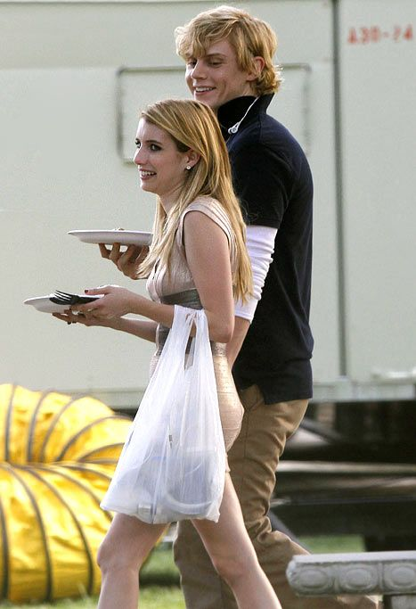 What drama? Three weeks after Emma Roberts was arrested on domestic violence charges when a heated argument with boyfriend Evan Peters reportedly turned physical, the pair were spotted looking happy as can be.
