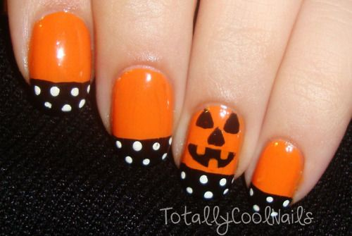 Adorable classic Halloween design! Srsly - just go check out her pages! (As much as I want to, I can't repin her entire nail art collection, as repin-worthy as it all is..)  Halloween Nails
