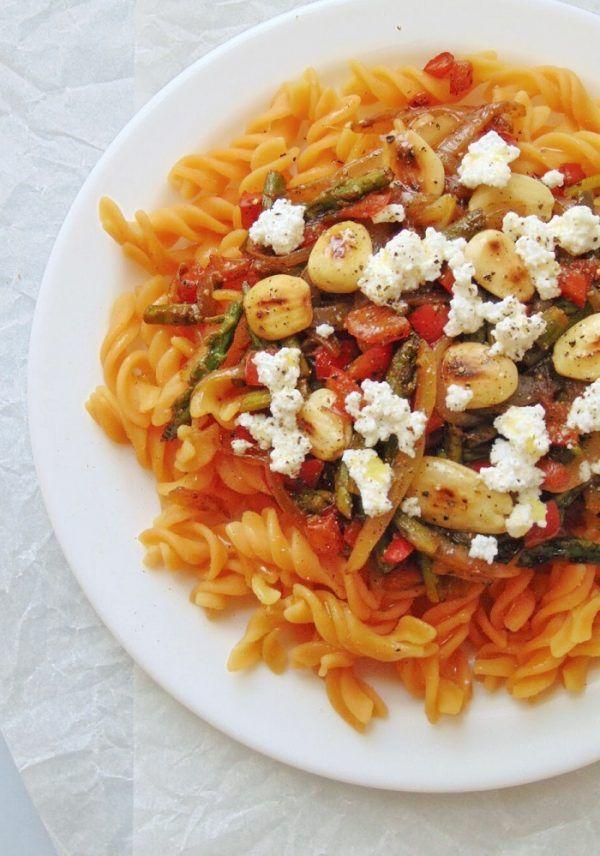 Pasta De Lentejas Con Verduras Y Almendras Receta De Tasty Details Receta En 2020 Lentejas Con Verduras Verduras Salteadas Lentejas