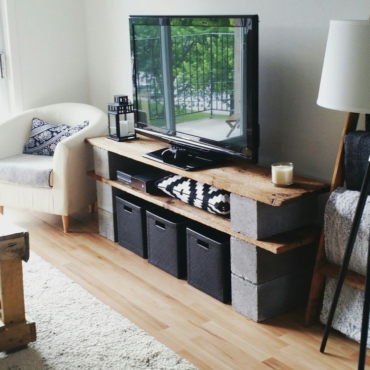 Meuble de t l vision en vieux bois de grange et blocks de Diy meuble tv