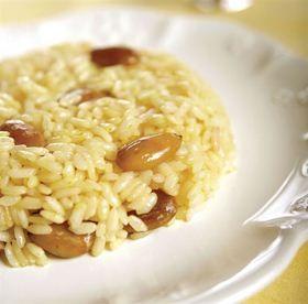 Osmanlı'dan kalma bir lezzet.  Safranlı Bademli Pilav