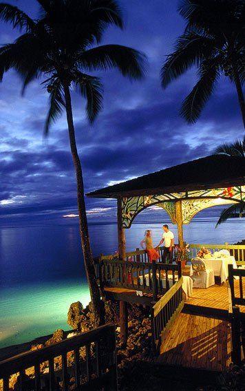 Romantic dining at Shangri-La's Fijian Resort and Spa, #Yanuca, #Fiji.