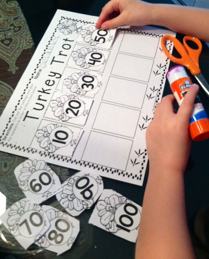 """""""Party Like a Pilgrim""""! Thanksgiving activities and printables for Kinders. Common core aligned."""