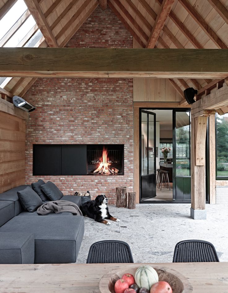 Design: Architectenbureau Benoît Viaene Fireplace: De Puydt nv (Metalfire) Photo: Jan Verlinden