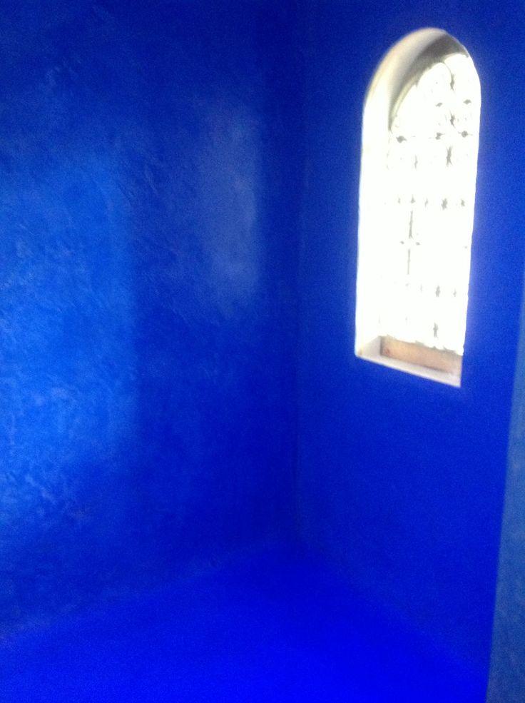Hamman en Tadelakt marocain réalisé par Ame et Pinceaux , artisan peintre décorateur toulouse #tadelakt  #décoration #salle de bain #bleu