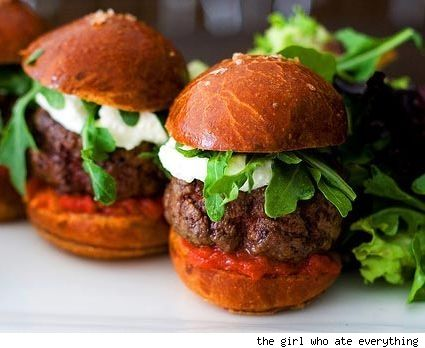Food Porn: Wagyu Sliders at Bouchon Bakery.French Bistros, Thomas Keller, Bistros Bouchon, Slider Recipes, Food, Easy Hamburgers, Hamburgers Sliders Recipe Easy, Appetizers, Minis Wagyu Burgers