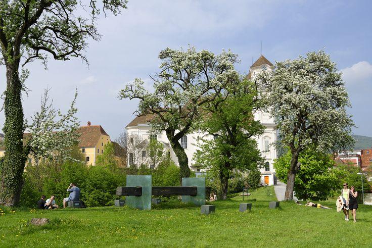 """Der """"Schwobn"""" am Weizberg mit Blick zur Weizbergkirche (c) Bergmann"""