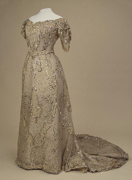 ·1900s Alexandra's white spangled evening dress