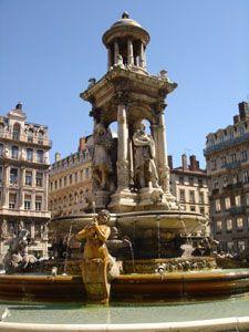 Fontaine de la place des Jacobins à Lyon France