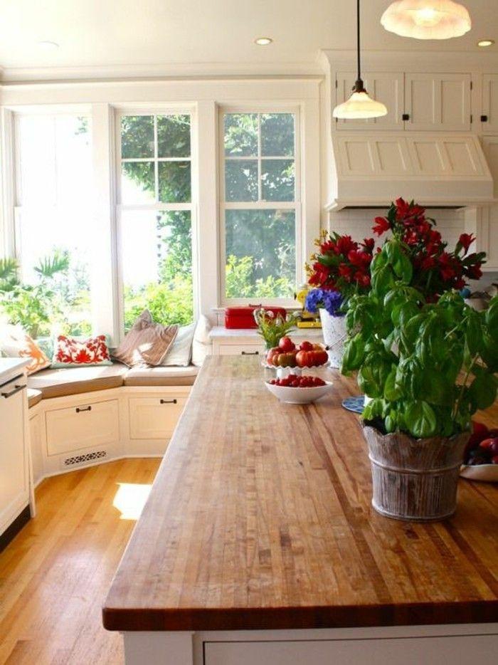 ambiance cocooning cuisine lot centrale en bois cozy deco murs blancs - Galeere Kche Einbauleuchten Platzierung