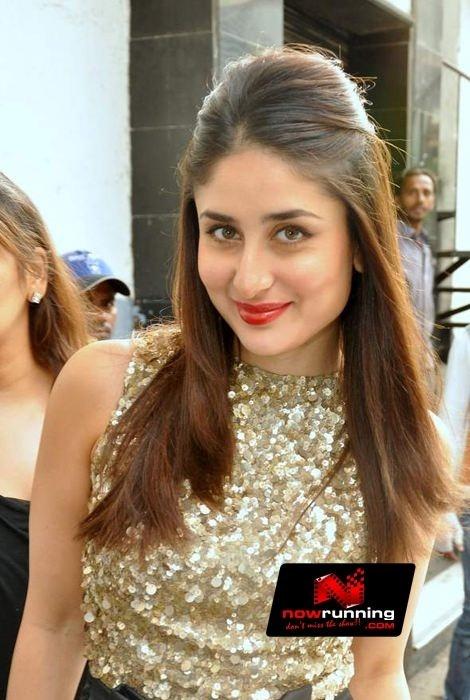 Kareena Kapoor On The Sets Of Zee TV Dance Ke Superstars. More pictures at http://www.nowrunning.com/event/bollywood/kareena-kapoor-on-the-sets-of-zee-tv-dance-ke-superstars/56483/gallery.htm