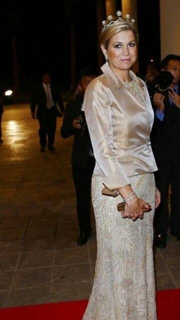 Maxima in the Dutch Pearl Button Tiara