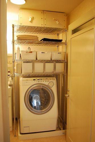 洗濯機の上の収納は高さがあるので、目につきやすいものです。かごや引き出しを置く場合は同じサイズのもを揃えるとスッキリして見えますし、収納力もアップします。