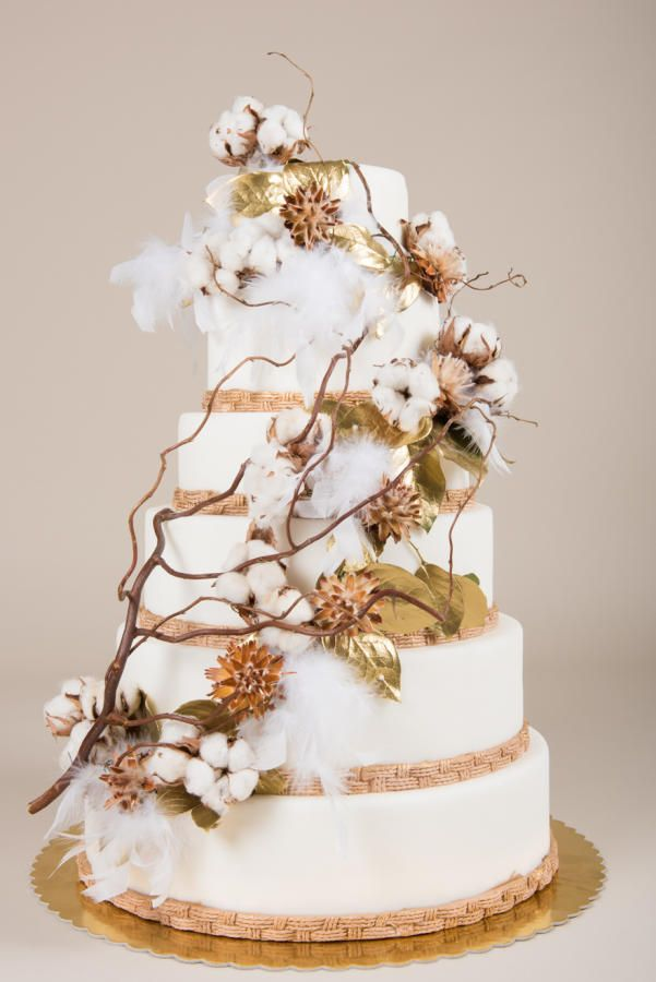 Beautiful cake with cotton by Irina Apostol
