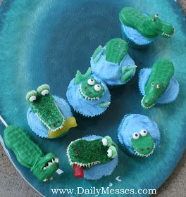 Daily Messes: Alligator Cupcakes and Cookie Pops