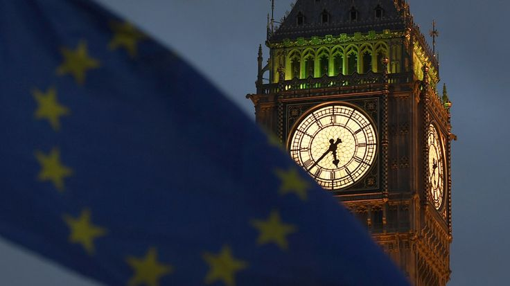 La chambre des Lords britannique, après celle des députés, a donné le 13 mars son accord final à la loi de déclenchement du Brexit. Le vote du parlement laisse désormais les mains libres au gouvernement conservateur de Theresa May.