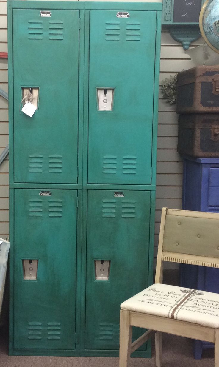 17 best images about repurposed school lockers on pinterest cool bookshelves industrial and. Black Bedroom Furniture Sets. Home Design Ideas