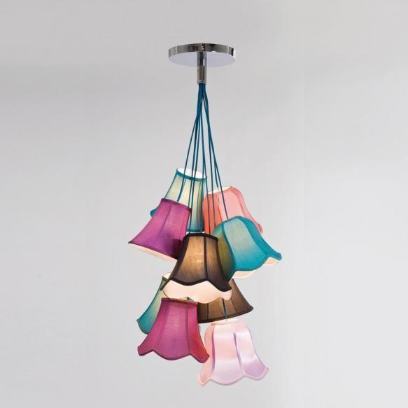 Lustre Un accent de culoare si stil realizat dintr-un joc de abajururi clasice ce dau nastere unui corp de iluminat unic si spectaculos. Culorile...