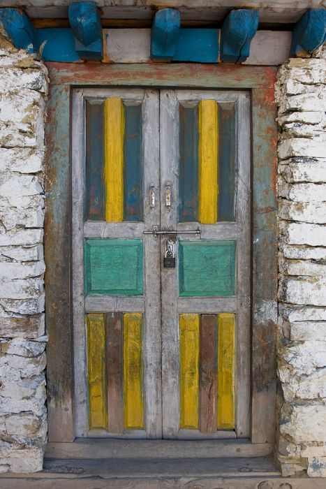 nepal.: Knockknock, Doorway, Colors, Nepali Door, Architecture Doors Windows, Knockers, Painted Doors, Doors Entrances Windows