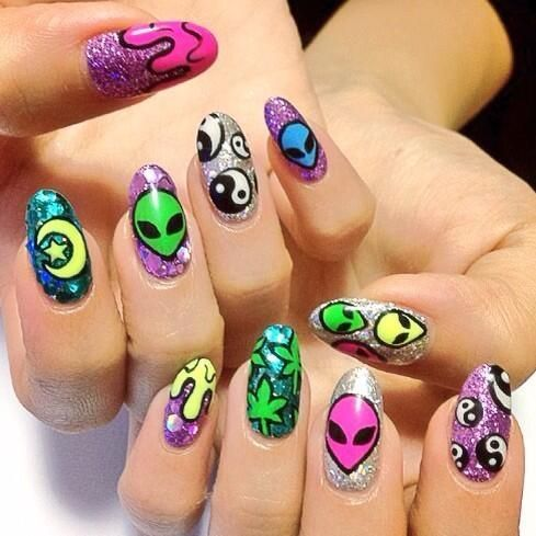 90's alien nails  I would replace the weed leaf nail to maybe a ufo? Or another moon+star combo
