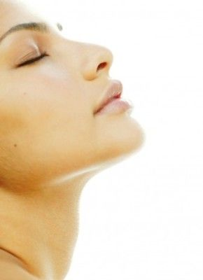 Relieving Pain and Maintaining Smooth Lips Through Sunburned Lips Remedies
