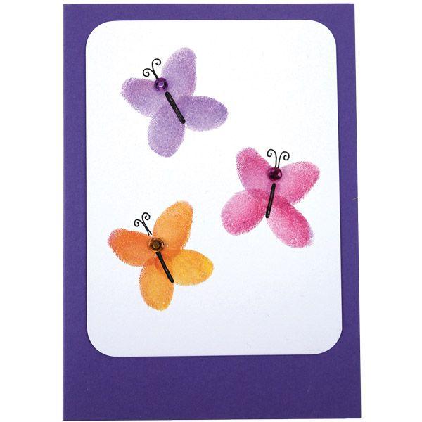 Värikkäät perhoset on leimailtu sormin ja pikkuisten VersaColor-tyynyjen avulla. Tarvikkeet ja ideat Sinellistä!