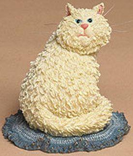 """Boyds Cattitudes Груши белый котенок -  (Введено Весна 2004 и был отвергнут) Груши означает бизнес, так что не пересекают его путь! Это жирный кот нахальный стоит на """"плетеный ковер"""" базы, особенности тонкими усами, и ветер, вверх мышь на его стороне. Цитата: """"Есть много умных видов во Вселенной Они все принадлежащие кошек.». - Анонимный2 3/4 """"$ 12.99"""