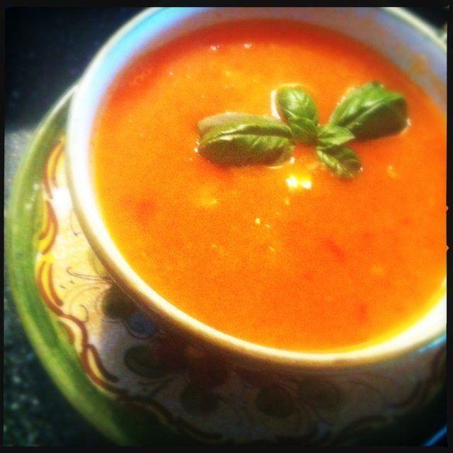 Recept voor zelfgemaakte paprika tomatensoep.