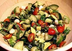 Cucumber Caprese Salad 2 cucumbers 1 pint cherry or grape tomatoes (about 30) 2 tablespoons chopped fresh basil 1 cup fresh mozzarella (I like to use the little balls) 1 avocado 1 tablespoon extra virgin olive oil 2 tablespoons balsamic vinegar 1 teaspoon garlic powder Salt and pepper to taste