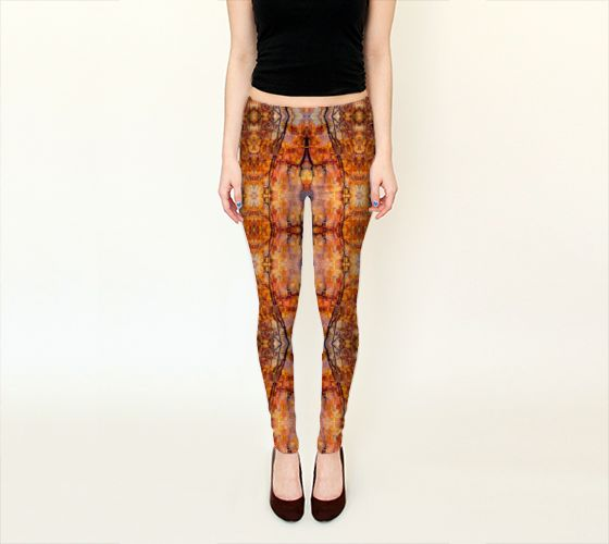 Marly, France – Leggings  The combination of colours and figures of this piece creates a very captivating look. The impressive display of branches and leaves creates an almost 3D appearance. A very eye catching motif that will surely brighten up any look.