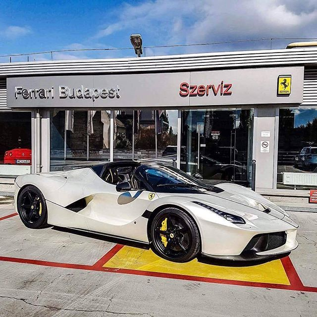 Congrats to @jcartu on his latest addition to the stable!! What do you think of the spec?? #ferrai #laferrariaperta #laferrari #lovecars
