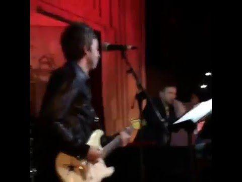 Ноэль Галлахер и Деймон Албарн выступили вместе - http://rockcult.ru/noel-gallagher-damon-albarn-on-stage-together/