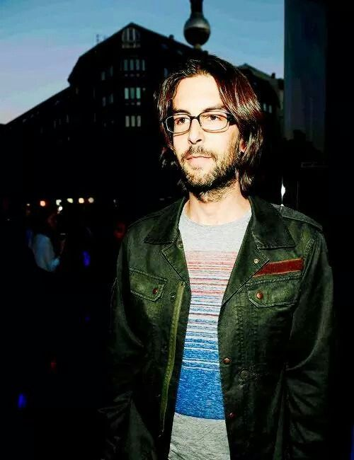Rob Bourdon - Linkin Park.....he looks very handsome!