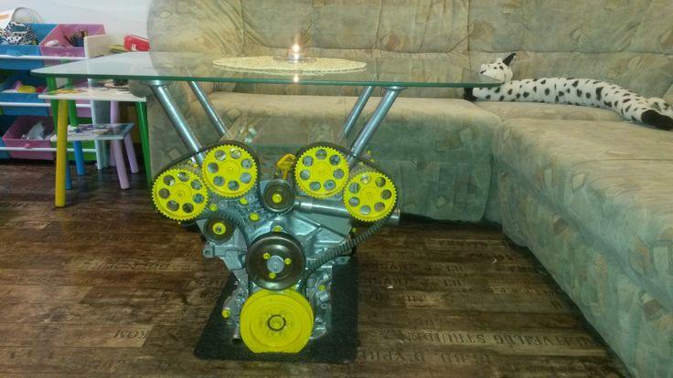 Stůl z motoru